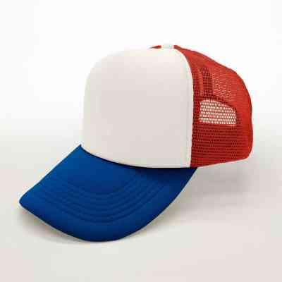Gorra blanca, roja y azul con visera curva | ArtecolorVisual